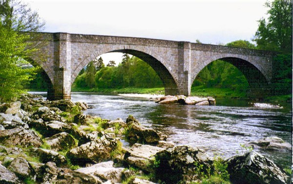 Potarch Bridge where Donald Dinnie famously carried the Dinnie Stanes